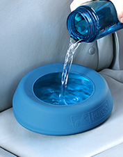 Keep your dog hydrated and your car dry when you travel with our clever No-Splash water bowl.