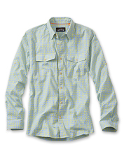 Seersucker lends cool, breathable summer comfort to this lightweight Clearwater shirt.