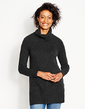 The coldest winter days call for the inviting warmth of our Cashmere Relaxed Turtleneck Tunic.