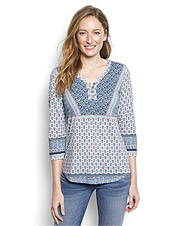Our Henley-style popover slub knit tee boasts an eye-catching mixed print and flattering fit.