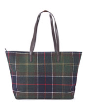 The smart Witford Tartan Tote bag by Barbour is built for convenient, on-the-go organization.
