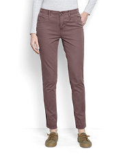 Enjoy extra softness, an easy fit, and superior comfort in our Everyday Girlfriend Ankle Chinos.