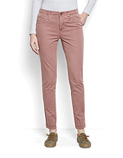 Enjoy extra softness an easy fit and superior comfort in our Everyday Girlfriend Ankle Chinos.