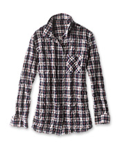 A comfortable classic gets a crinkle cotton update in our any-season Plaid Boyfriend Tunic.