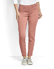 Reach for these All-Day Stretch Twill Ankle Pants for adventures abroad or closer to home.