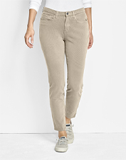 Wear them anywhere—our smart Four-Way Stretch Ankle Pants are flattering and comfortable.