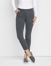 Utility and style go hand in hand in our flattering four-way stretch ankle-length pants.