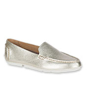 35b829dce77 These comfortable Bay View Leather Slip-Ons are crafted by Sperry to  impressive standards.
