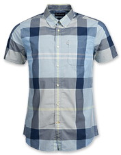 A smart tartan pattern and soft peached fabric enhance the appeal of the Barbour Croft Shirt.