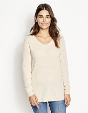 This sweater combines classic V-neck styling and natural cashmere for a luxurious layer.