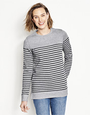 A frosty morning begs for the comfort of our Signature Fleece Striped Crewneck Sweatshirt.