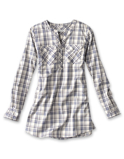 Our Wrinkle-Free Popover Patterned Tunic offers a flattering fit and crisp-all-day appearance.