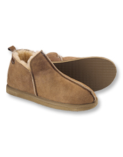 These Annie Slippers by Shepherd of Sweden are crafted for cloudlike softness and comfort.