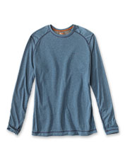 We've amped up the long-sleeved crew neck T-shirt with quick-dry drirelease fabric for comfort.