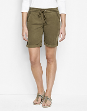 Comfortable Explorer Shorts offer plenty of stretch for better range of motion.