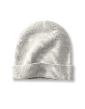 Top off your cold-weather style with this ultrasoft and cozy Classic Cashmere Watch Cap.