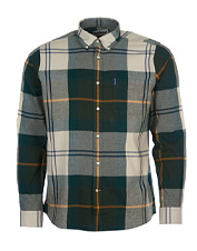 Wear this midweight Tartan Tailored Shirt by Barbour for impeccable style that spans seasons.