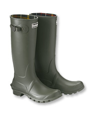 Don't let the rainy weather keep you indoors—pull on these Bede Wellington Boots by Barbour.