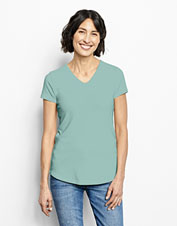 Our Relaxed V-Neck Perfect Tee is bound to become an everyday favorite, thanks to a silky hand.