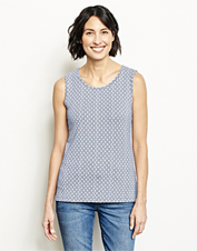 The wide tank-style straps of this Sleeveless Printed Top ensure just-right coverage.