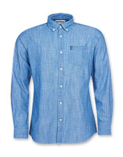 Multi-season versatility and comfort meet in the Barbour Chambray 1 Tailored Shirt.
