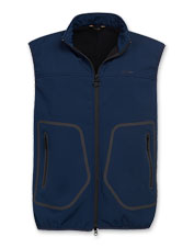 Enjoy just-right warmth and freedom of movement in the Barbour Livingstone Fleece Gilet.