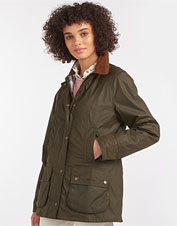The seasons-spanning Barbour Aintree features waxed cotton performance in a feminine jacket.