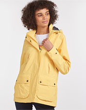 If you choose one jacket to answer to rain and more, make it the waterproof Clyde from Barbour.