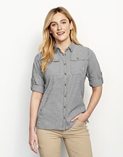 Our Women's Open Air Casting Shirt boasts smart technical details in a feminine profile.