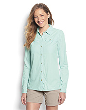 Our Women's Open-Air Casting Shirt boasts smart technical details in a feminine profile.