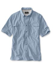 Keep cool and comfortable on the water with our men's quick-dry fishing shirt.