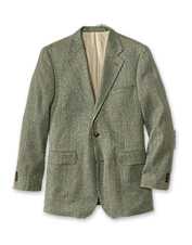 Versatile and distinctive, our men's silk tweed sport coat looks great over any travel outfit.