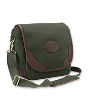 Store your shells or other shooting accessories easily in this hunting shoulder bag