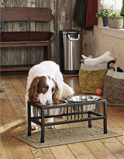 Elegance and ultility meet in our handsome, raised dog feeder.